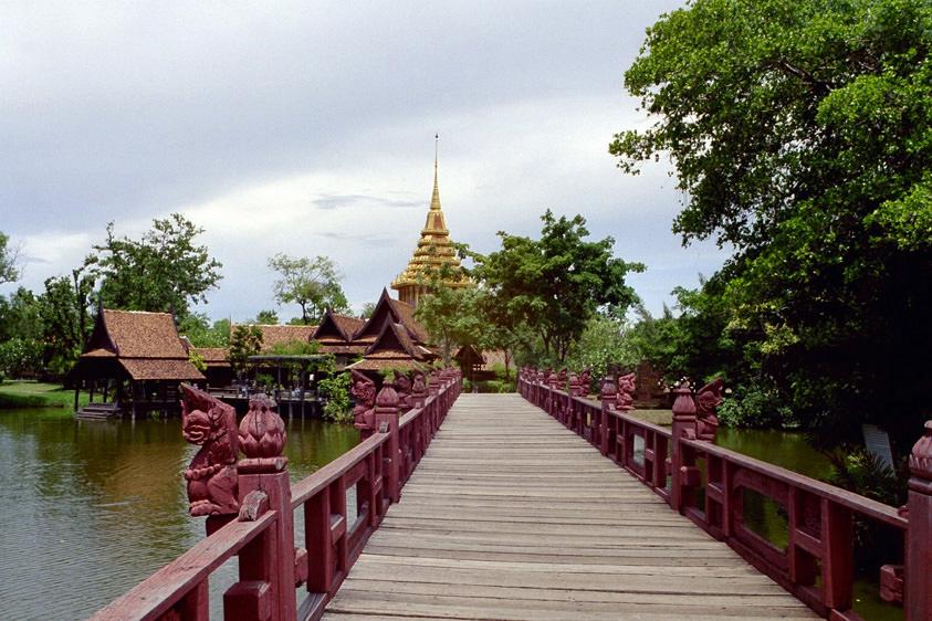 """Bridge to """"The Footprint of the Lord Buddha"""", Saraburi"""