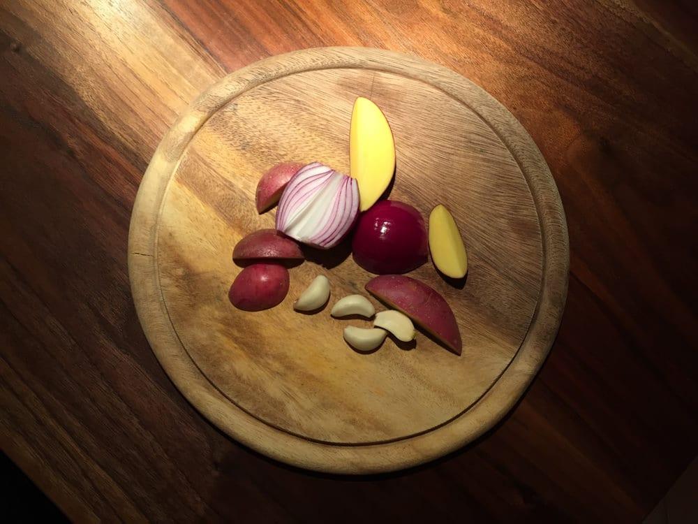 Hähnchen & Gemüse - Zutaten - Kartoffeln und Zwiebeln